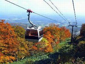 マウントジーンズ・スキー場で「紅葉ロープウェイ」9/19~11/8運行!